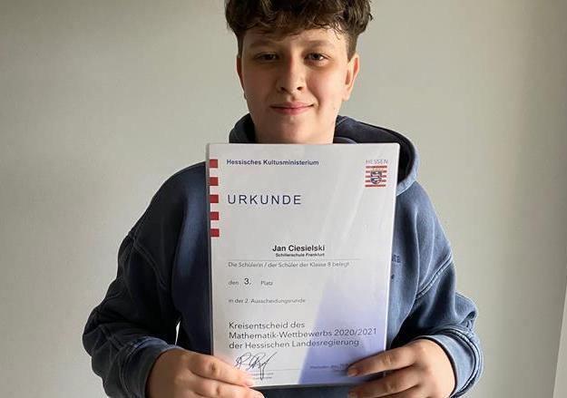 Read more about the article Großartiger Erfolg beim diesjährigen Mathematik-Wettbewerb der 8. Klassen